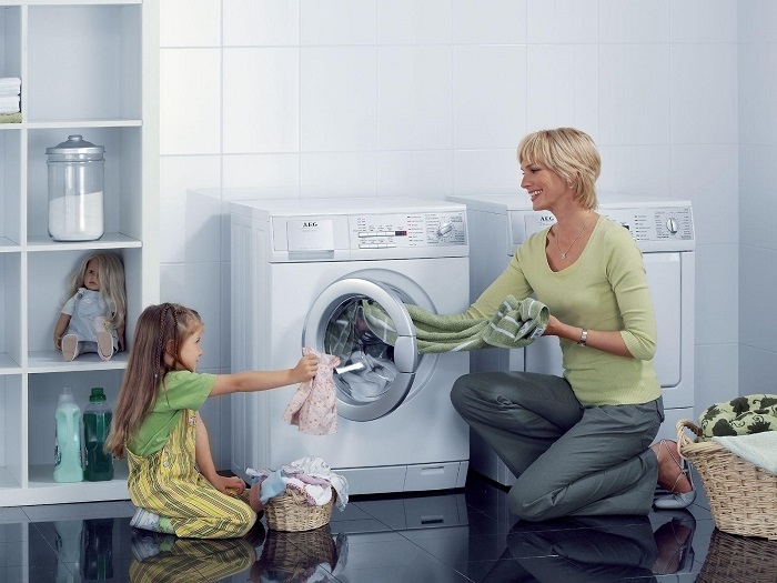 vệ sinh máy giặt cửa trước